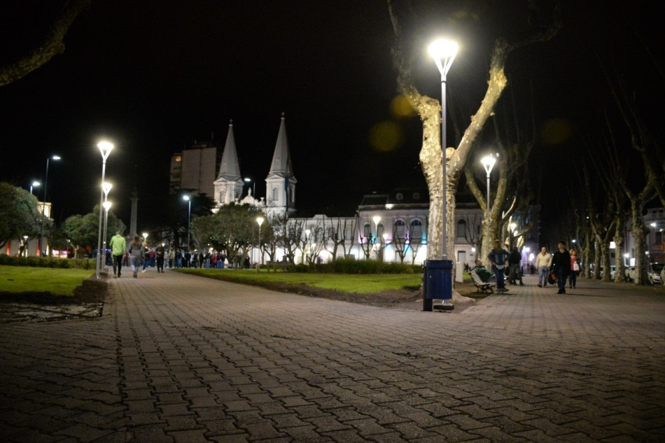Plaza-iluminada-3 01